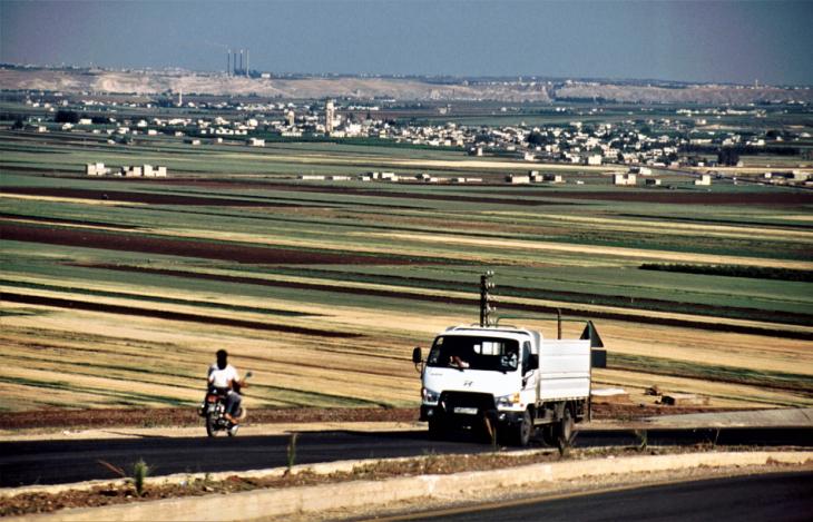 Syria - Hama 001 - On the road