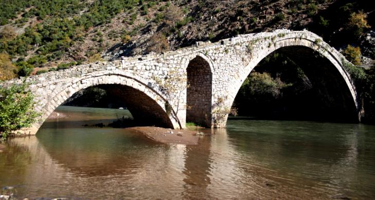 Albania 003 - On the road to Ohrid lake