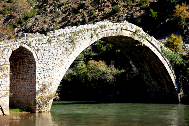 Albania 004 - On the road to Ohrid lake