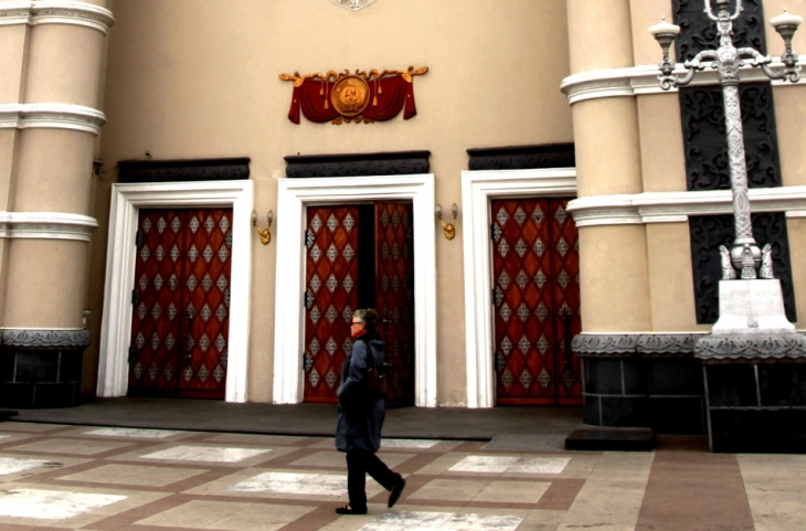 Russia - Ulan Ude 004 - Opera building