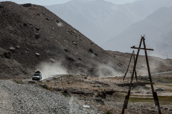 Tajikistan 005 - Wakhan Valley - On the road