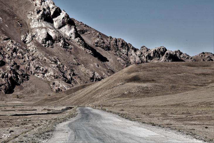 Tajikistan 011 - On the road