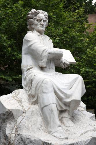 Armenia - Yerevan 014 - Martiros Saryan's statue