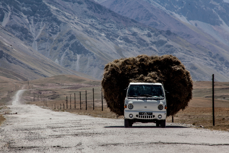 Kyrgyzstan 016 - On the road to Tulpar Kul