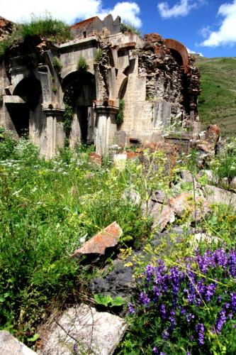 Armenia 028 - Yeghegnadzor valley