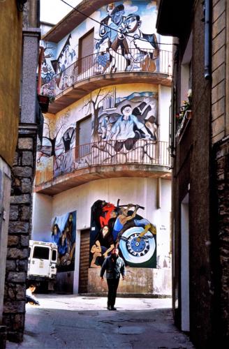 Italy - Orgosolo 028
