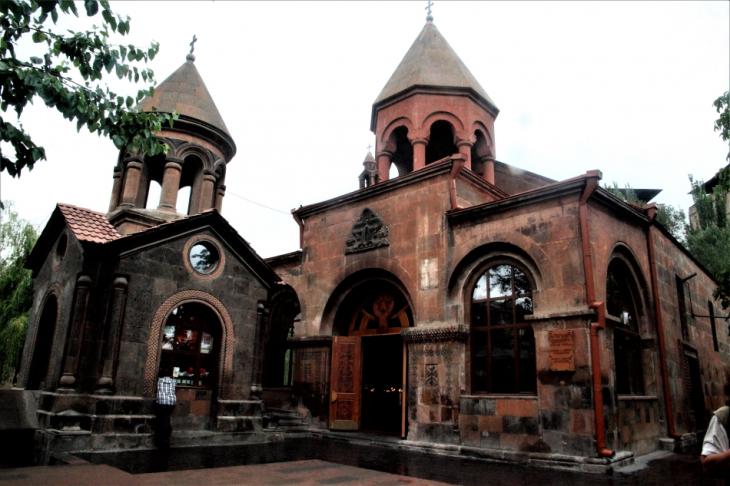 Armenia - Yerevan 029 - Zoravor S. Astvatsatsin Church