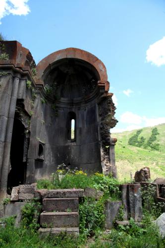 Armenia 032 - Yeghegnadzor valley