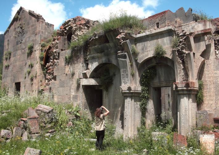 Armenia 036 - Yeghegnadzor valley