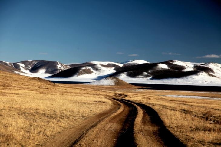 Mongolia 0412 - On the way to Tergiin Tsagaan Nuur