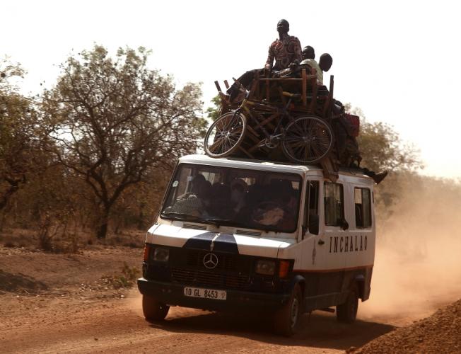 Burkina Faso 041 - On the road to Banfora