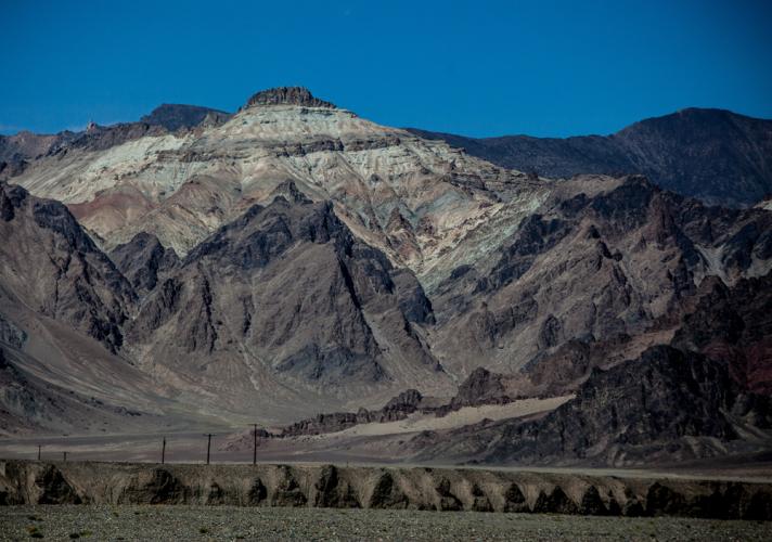 Tajikistan 043 - On the road to Karakul