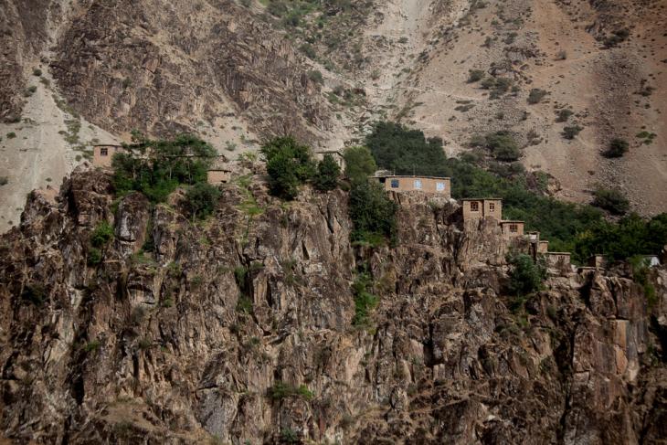 Tajikistan 044 - On the road to Kalaikum