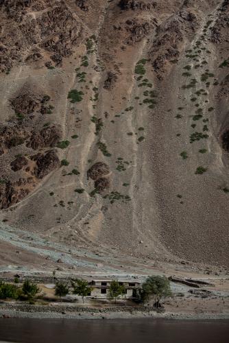 Tajikistan 046 - On the road to Kalaikum