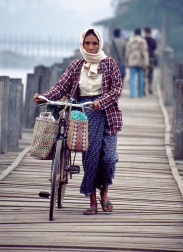 Myanmar - Mandalay 052 - Amananapura - U Bein bridge