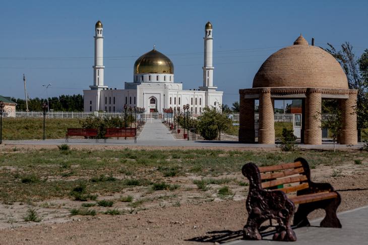 Kazakhstan - South 059 - Arystan Bab