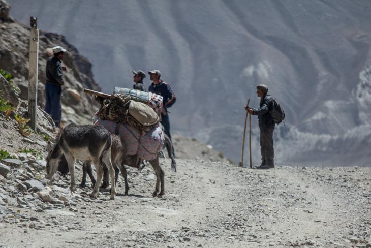 Tajikistan 061 - Wakhan Valley - On the road