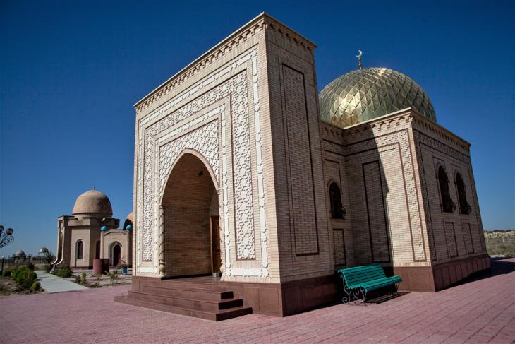 Kazakhstan - South 063 - Arystan Bab