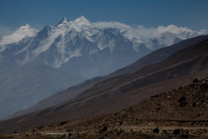Tajikistan 065 - Wakhan Valley - On the road