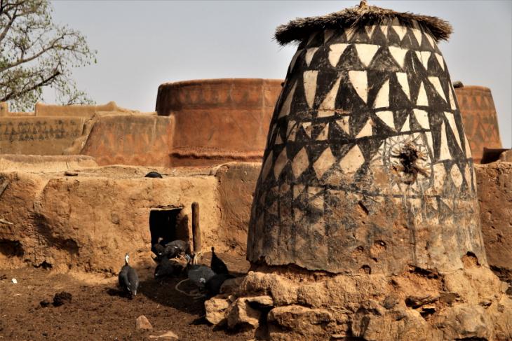 Burkina Faso -Tiebele 066 - Village in the sourroundings