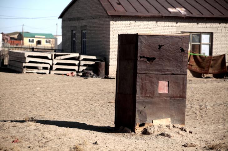 Mongolia 0796 - Gobi desert - Village on the road to Bayazang