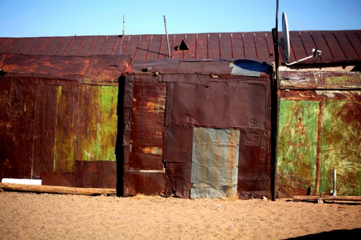Mongolia 0801 - Gobi desert - Village on the road to Bayazang