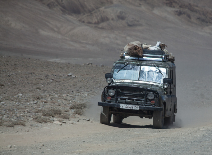 Tajikistan 084 - Wakhan Valley - On the road