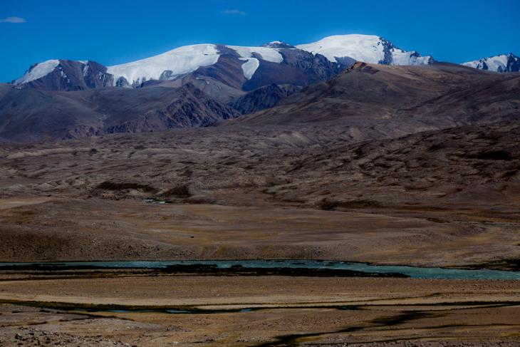 Tajikistan 085 - Wakhan Valley - On the road