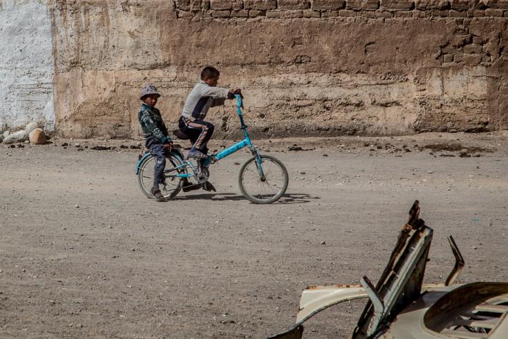 Tajikistan 088 - On the road to Shaymak - Toktomysh village