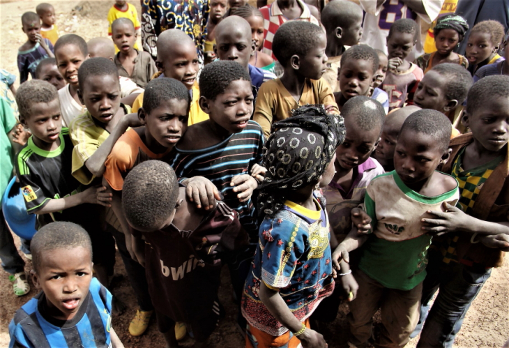 Burkina Faso 014 - Village stop on the way to Aribinda