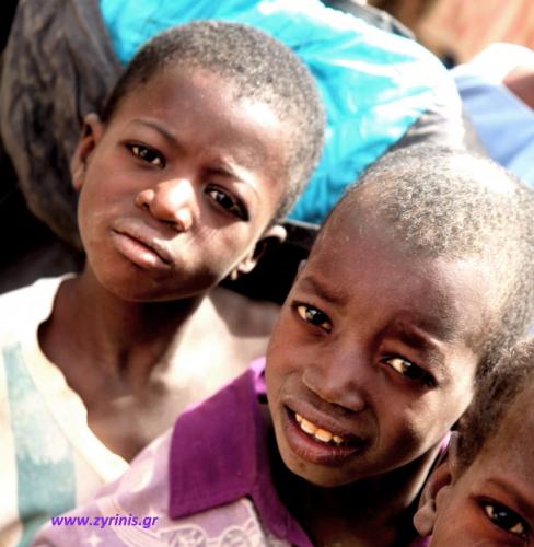 Burkina Faso 015 - Village stop on the way to Aribinda