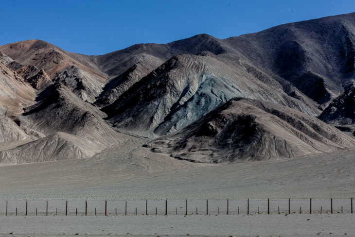 Tajikistan 095 - On the road from Karakul to the border with Kyrgyzstan