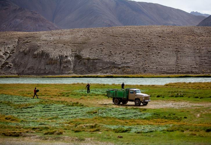 Tajikistan 098 - On the road to Shaymak