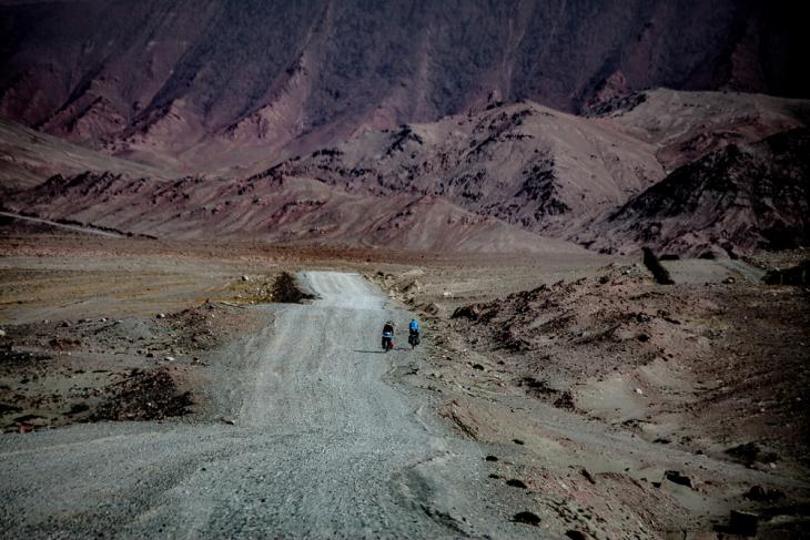 Tajikistan 098 - On the road from Karakul to the border with Kyrgyzstan