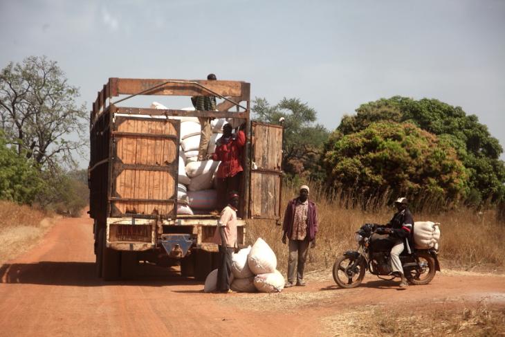 Burkina Faso 104 - On the road