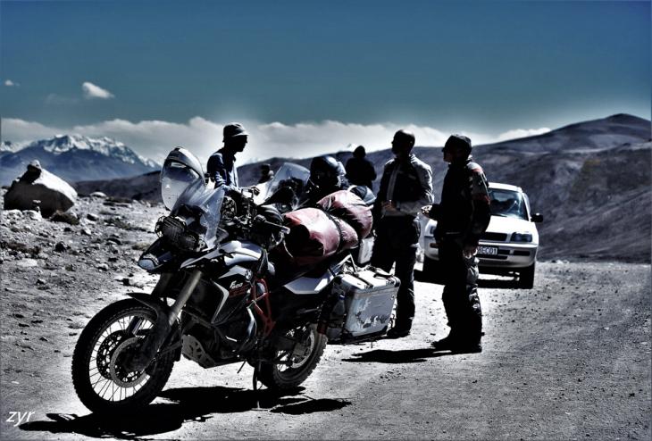 Tajikistan 104 - On the road to Bulunkul