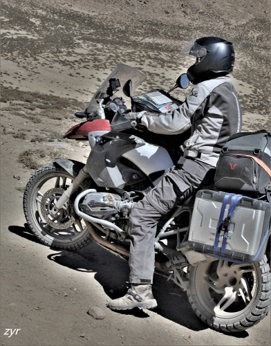 Tajikistan 105 - On the road to Bulunkul
