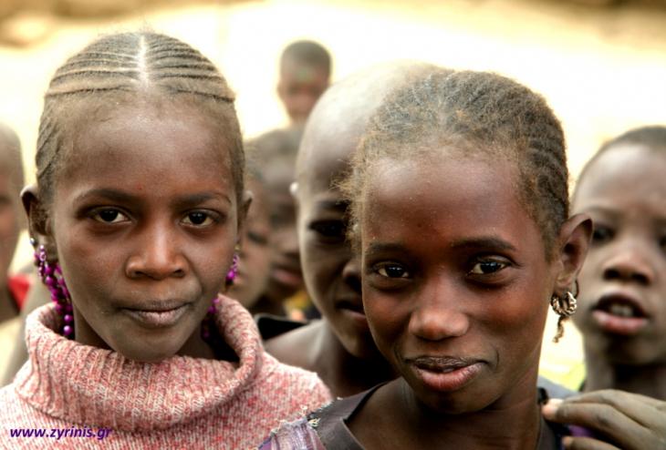 Burkina Faso 030 - Village stop on the way to Aribinda
