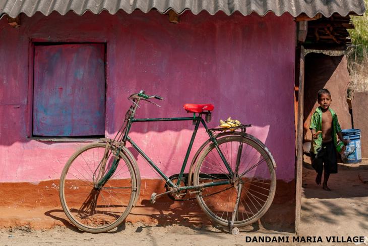 India - Chhattisgarh 113 - Dandami Maria village on the road to Jagdalpur
