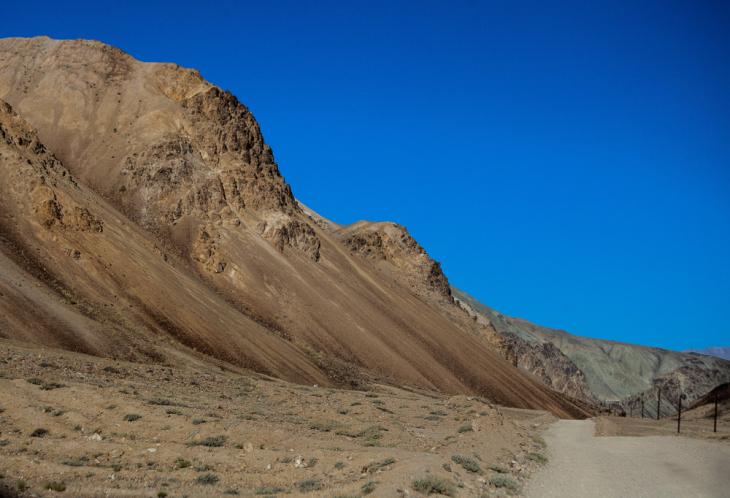 Tajikistan 166 - On the road to Alichur