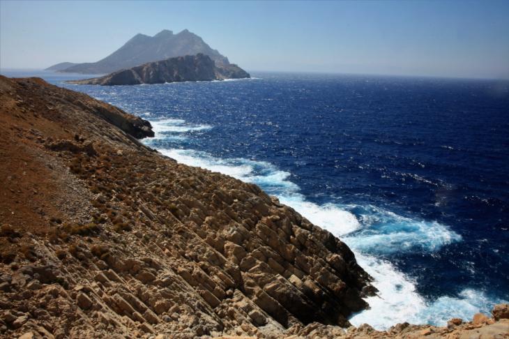 Greece - Amorgos 202 - Nikouria island from the road back to Aigiali