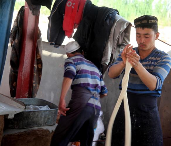 China - Xinjiang 288 - Kashgar - Sunday animal market