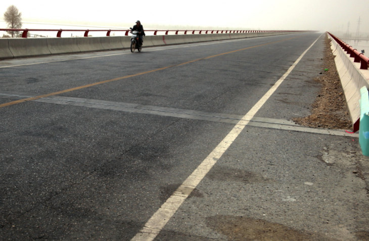 China - Xinjiang 708 - On the road to Kuche