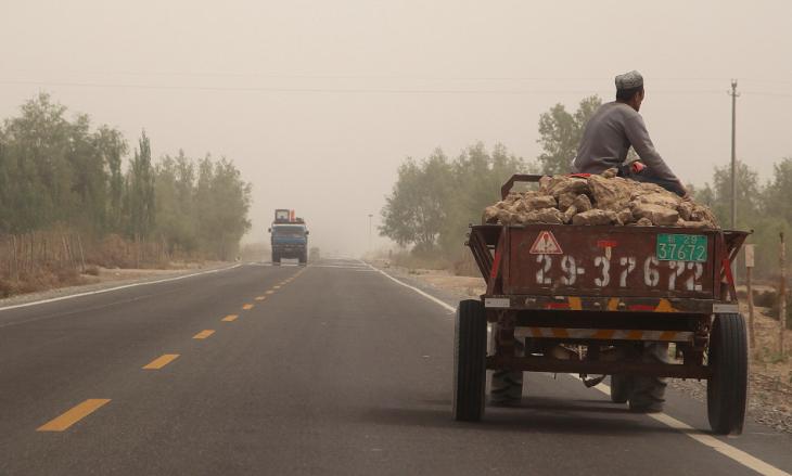 China - Xinjiang 712 - On the road to Kuche
