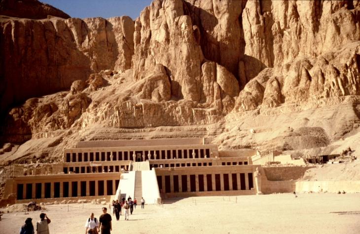 Egypt - Luxor 001 - West Bank - Hatshepsut temple