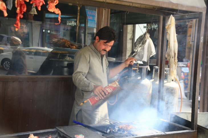Pakistan - Downtown Karimabad 009