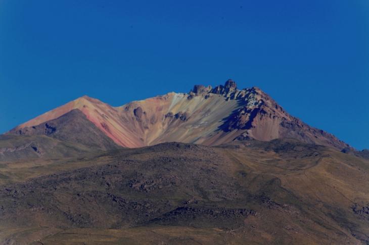 Bolivia 022 - Salar de Uyuni - Volcano Tunupa