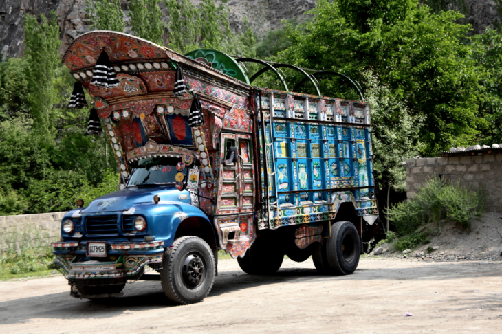 Pakistan - Driving from Skardu to Karimabad 023