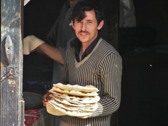 Pakistan - Downtown Karimabad 033