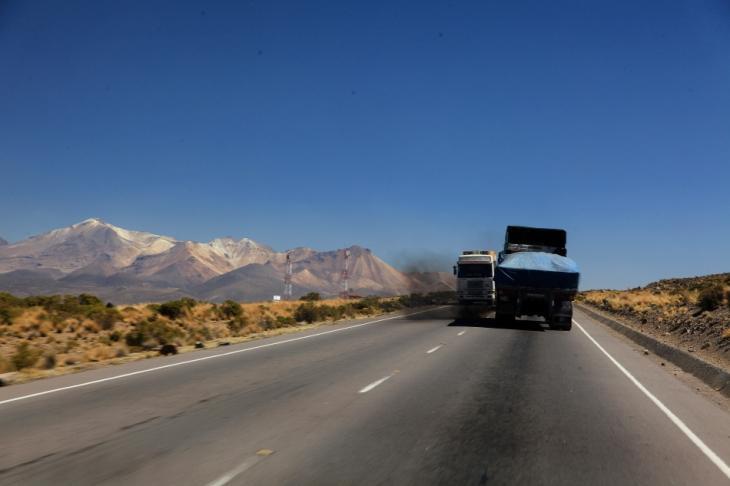 Bolivia - Itinerary La Paz-Sajama-Coipasa 038 / On the road to Sajama